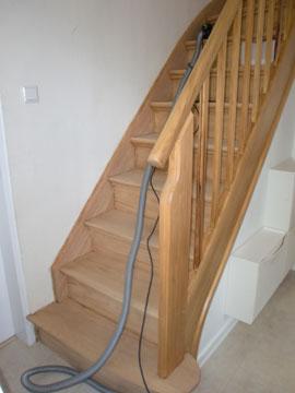 Häufig Treppen abschleifen und Treppenstufen schleifen in ganz Hamburg AE05